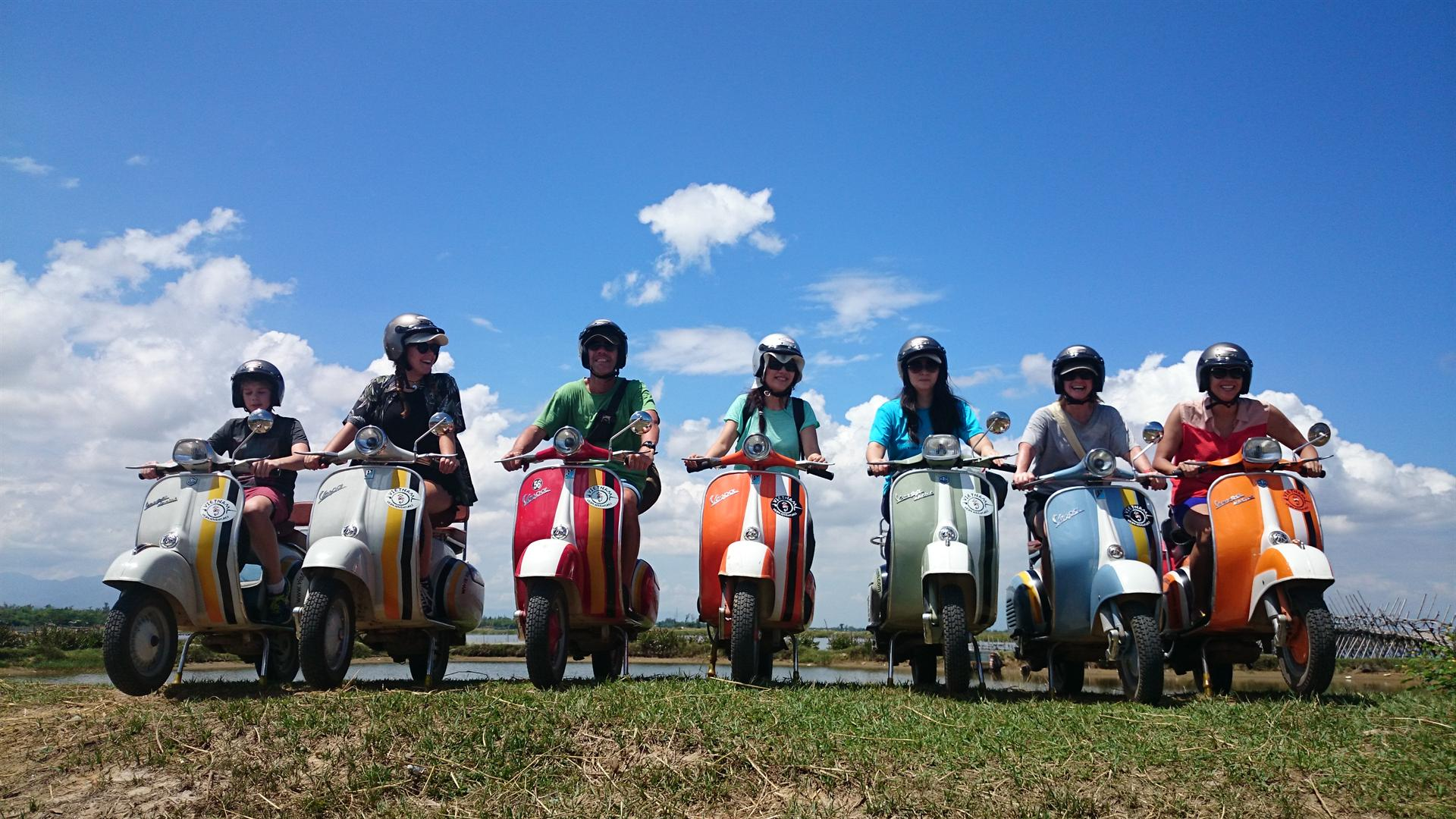 Vespa Tour and Foodie Trip