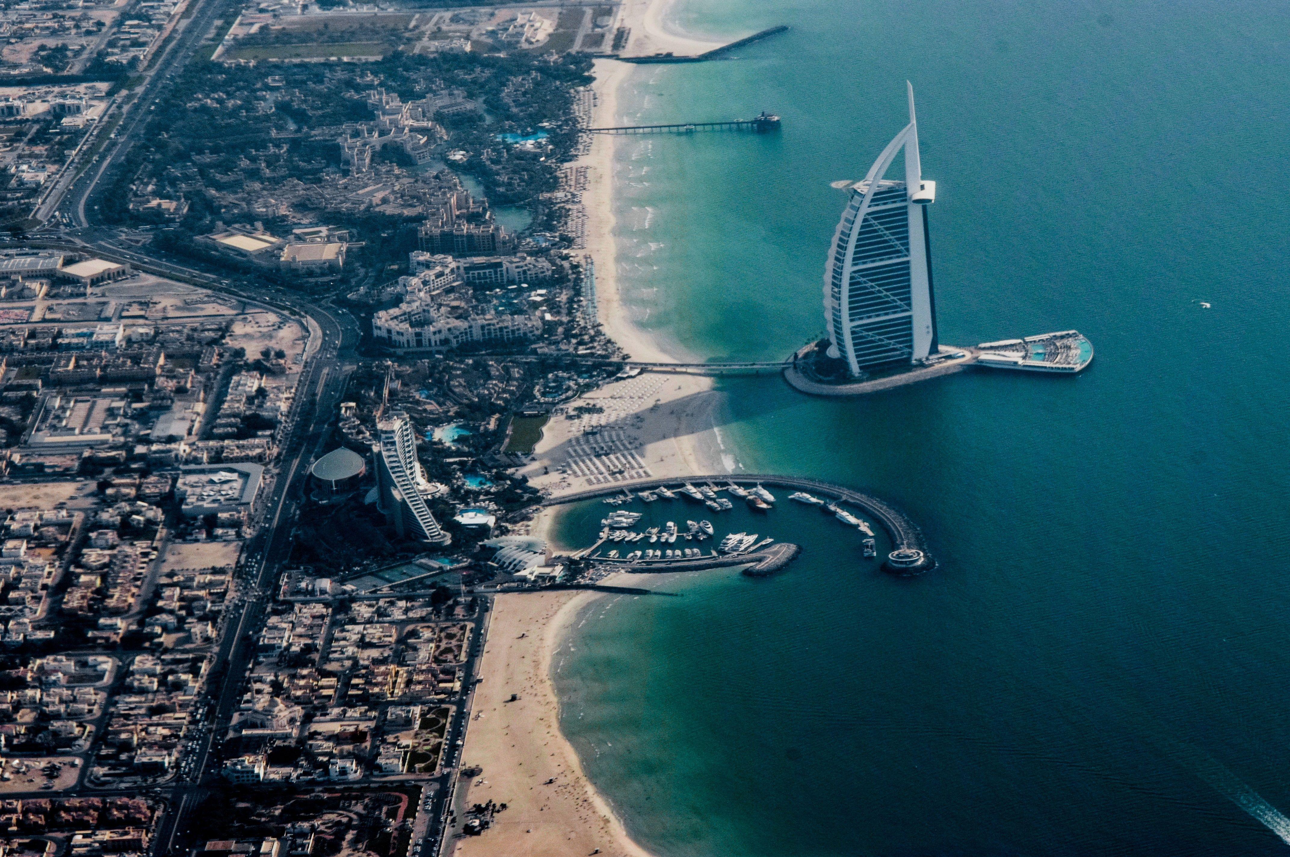 MỘT HÀNH TRÌNH BA ĐIỂM ĐẾN BRUNEI- DUBAI – ABU DHABI 6N5Đ